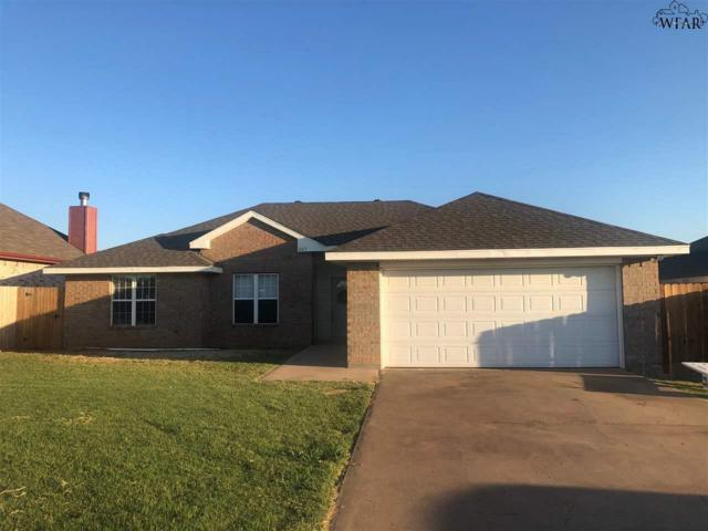 609 E Texas Avenue, Iowa Park, TX 76367 (MLS #153640) :: WichitaFallsHomeFinder.com