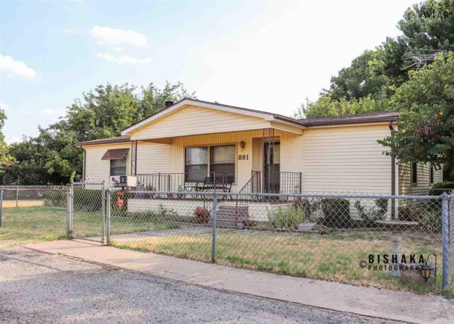 801 N Avenue F, Burkburnett, TX 76354 (MLS #153905) :: WichitaFallsHomeFinder.com