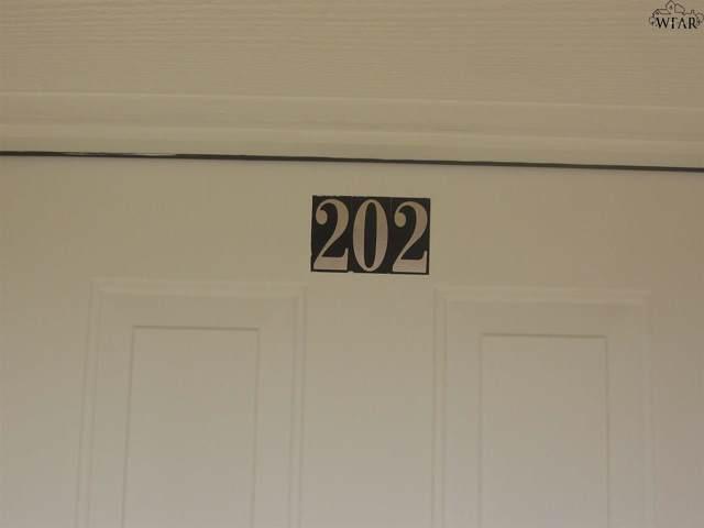 1519 Trigg Lane, Wichita Falls, TX 76306 (MLS #154358) :: WichitaFallsHomeFinder.com