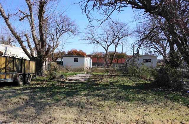 209 S Avenue B, Burkburnett, TX 76354 (MLS #155007) :: WichitaFallsHomeFinder.com