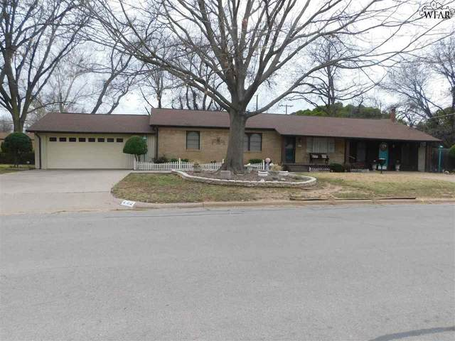 402 S Holly Drive, Burkburnett, TX 76354 (MLS #155760) :: WichitaFallsHomeFinder.com