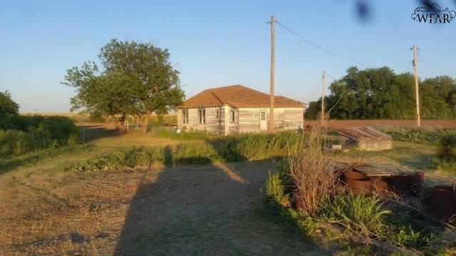 1789 Bridgetown Road, Burkburnett, TX 76354 (MLS #155914) :: WichitaFallsHomeFinder.com