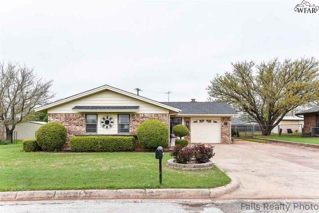 117 Meadow Lane, Electra, TX 76360 (MLS #156376) :: WichitaFallsHomeFinder.com