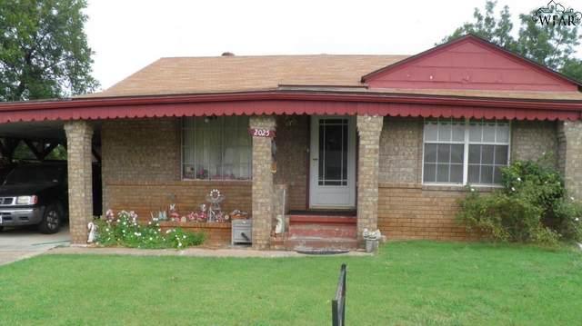 2025 Gilbert Avenue, Wichita Falls, TX 76301 (MLS #157944) :: WichitaFallsHomeFinder.com