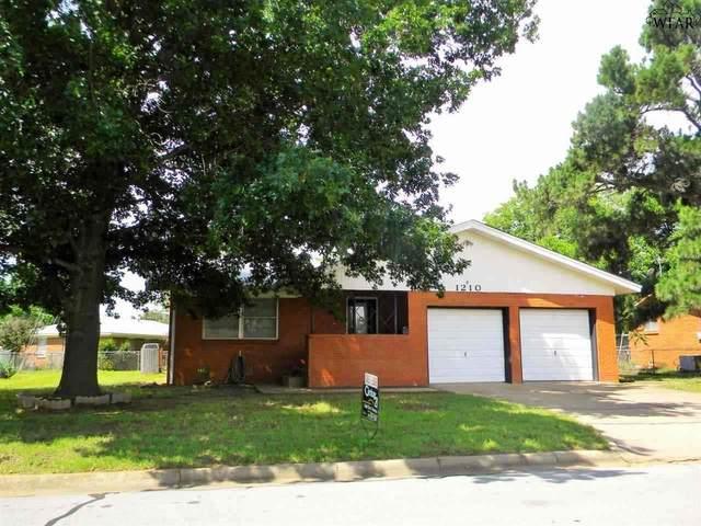 1210 Clover Drive, Burkburnett, TX 76354 (MLS #157994) :: WichitaFallsHomeFinder.com