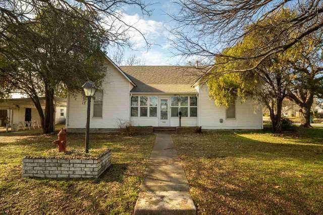 115 N Archer Street, Henrietta, TX 76365 (MLS #159096) :: Bishop Realtor Group