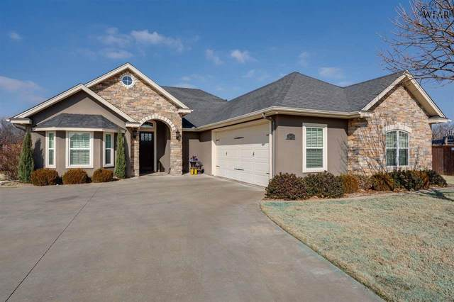2 Redlands Court, Wichita Falls, TX 76308 (MLS #159554) :: WichitaFallsHomeFinder.com