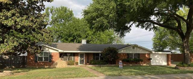 411 N Glenn Street, Henrietta, TX 76365 (MLS #159997) :: Bishop Realtor Group