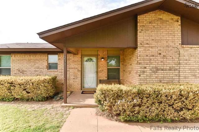 235 Loch Lomond Drive, Wichita Falls, TX 76302 (MLS #160018) :: WichitaFallsHomeFinder.com