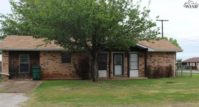 914 E Commerce Street, Henrietta, TX 76365 (MLS #160023) :: Bishop Realtor Group