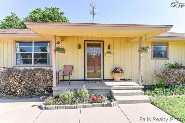 1200 Sun Valley Dr, Wichita Falls, TX 76302 (MLS #160305) :: WichitaFallsHomeFinder.com
