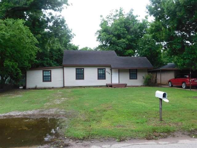 304 W 1ST STREET, Burkburnett, TX 76354 (MLS #160572) :: Bishop Realtor Group