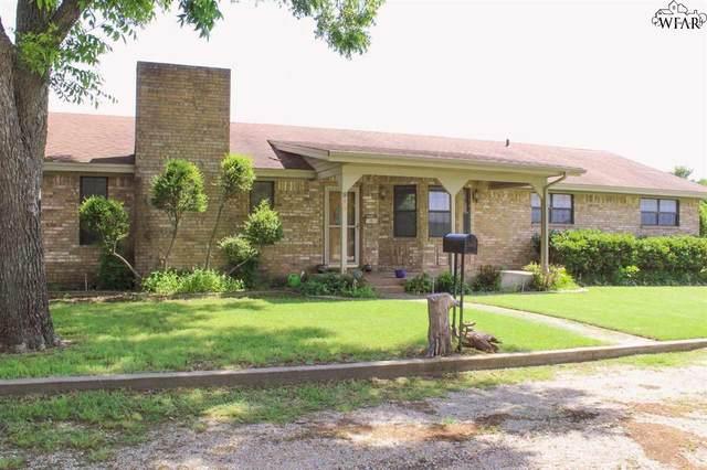 915 W Ikard Street, Henrietta, TX 76365 (MLS #160710) :: Bishop Realtor Group