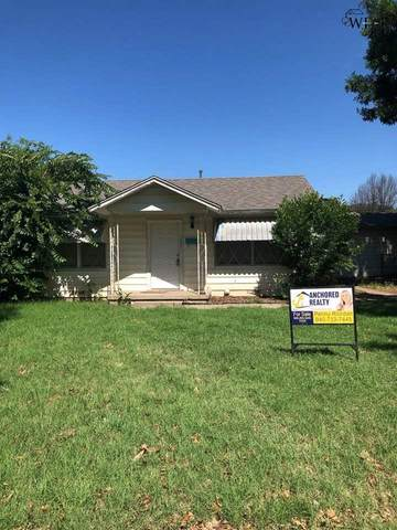 207 Clark Circle, Henrietta, TX 76365 (MLS #160988) :: WichitaFallsHomeFinder.com