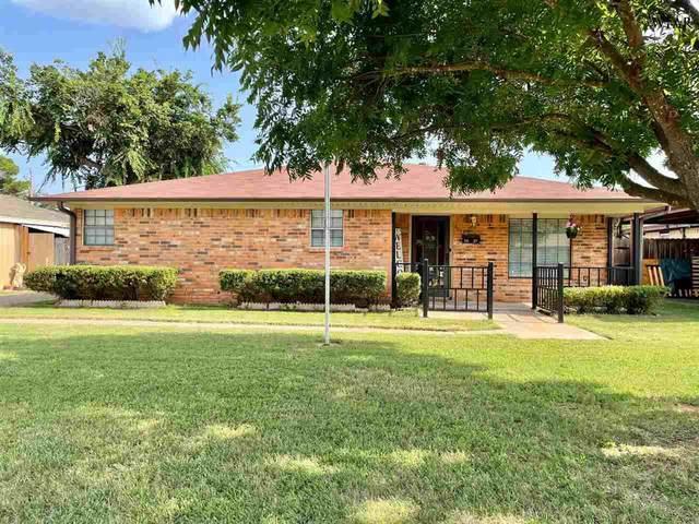 3027 Lavell Avenue, Wichita Falls, TX 76308 (MLS #161190) :: WichitaFallsHomeFinder.com
