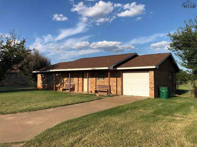 1114 S Oak Street, Archer City, TX 76351 (MLS #161592) :: Bishop Realtor Group