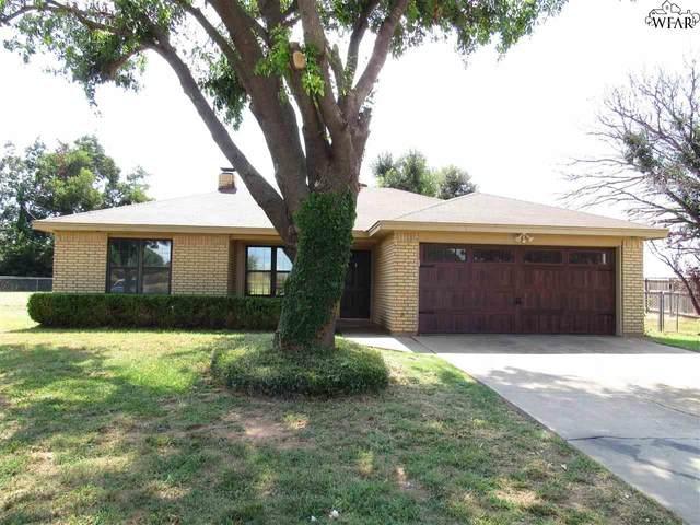 2 Pitchfork Circle, Burkburnett, TX 76354 (MLS #161873) :: Bishop Realtor Group