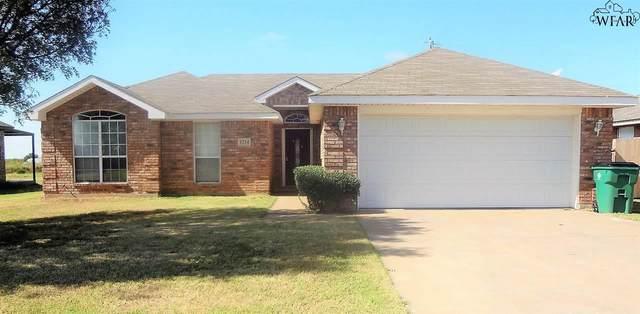 1214 Lisa Lane, Burkburnett, TX 76354 (MLS #162306) :: WichitaFallsHomeFinder.com