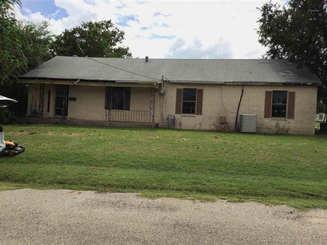 501 S Clay Street, Henrietta, TX 76365 (MLS #153129) :: WichitaFallsHomeFinder.com