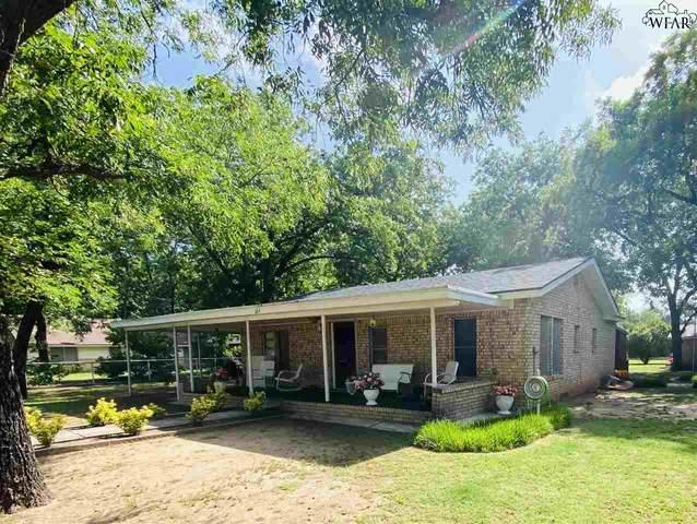 624 Harwell Street, Burkburnett, TX 76354 (MLS #157187) :: WichitaFallsHomeFinder.com