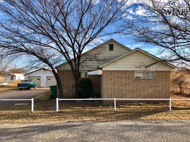 404 E Olive Street, Holliday, TX 76366 (MLS #147971) :: WichitaFallsHomeFinder.com