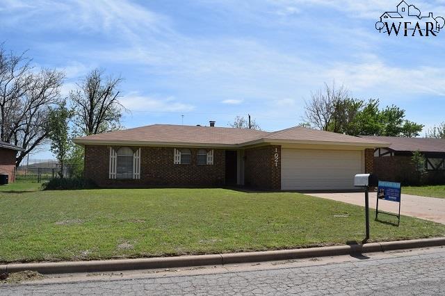 1021 Foley Avenue, Iowa Park, TX 76367 (MLS #148719) :: WichitaFallsHomeFinder.com