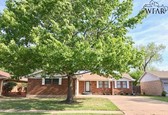 1614 Bert Drive, Wichita Falls, TX 76302 (MLS #148721) :: WichitaFallsHomeFinder.com