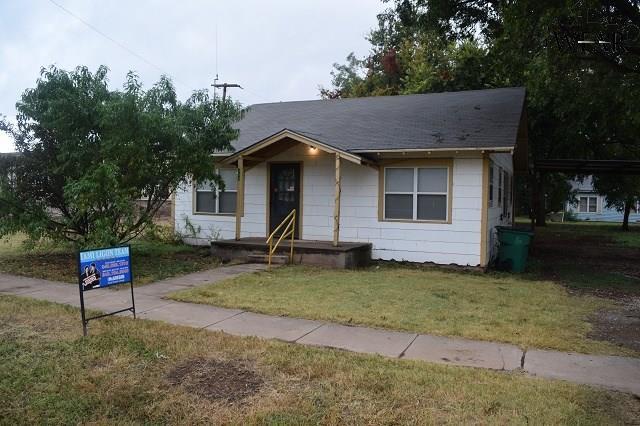 406 N Wall Street, Iowa Park, TX 76367 (MLS #148743) :: WichitaFallsHomeFinder.com