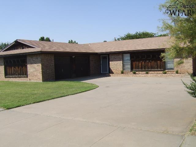 2306 Rockhill Road, Wichita Falls, TX 76306 (MLS #148771) :: WichitaFallsHomeFinder.com