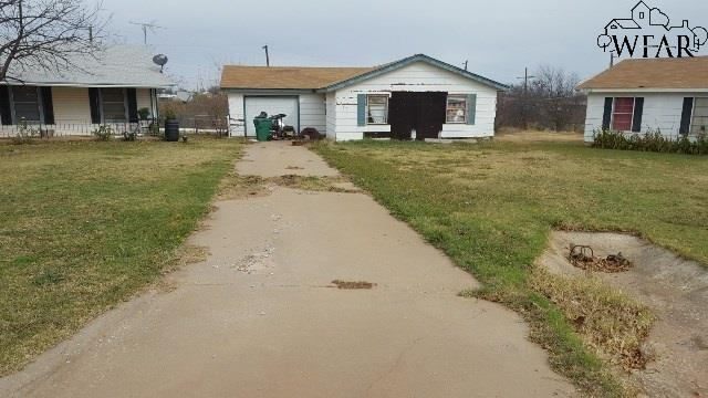 417 E Ida Avenue, Electra, TX 76360 (MLS #149503) :: WichitaFallsHomeFinder.com