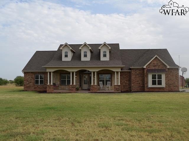 2764 Brandon Road, Iowa Park, TX 76367 (MLS #149629) :: WichitaFallsHomeFinder.com