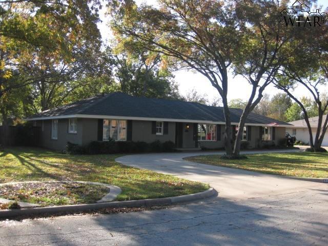 4405 Cedar Elm Lane, Wichita Falls, TX 76308 (MLS #151140) :: WichitaFallsHomeFinder.com
