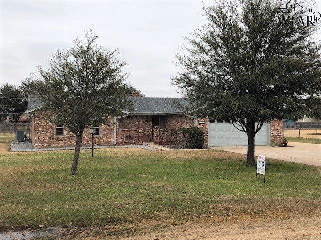 1405 Hiawatha Lane, Burkburnett, TX 76354 (MLS #151514) :: WichitaFallsHomeFinder.com