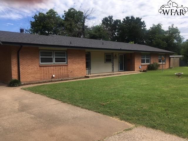 2702 Darwin Drive, Wichita Falls, TX 76308 (MLS #153199) :: WichitaFallsHomeFinder.com