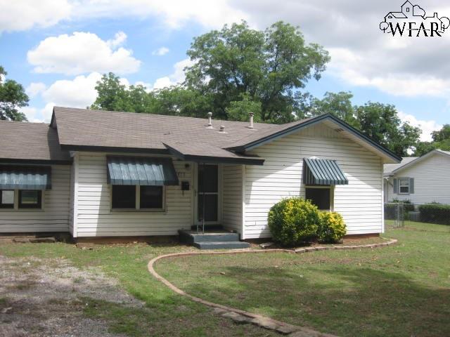 515 Bluebonnet Street, Burkburnett, TX 76354 (MLS #153351) :: WichitaFallsHomeFinder.com