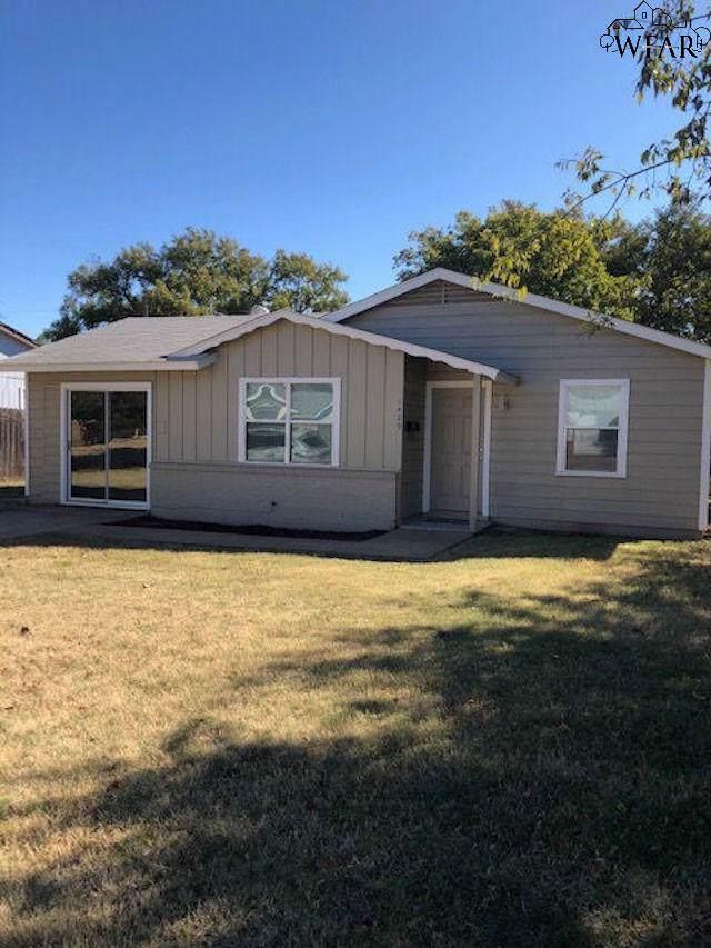 1429 Tanbark Road, Wichita Falls, TX 76306 (MLS #154903) :: WichitaFallsHomeFinder.com