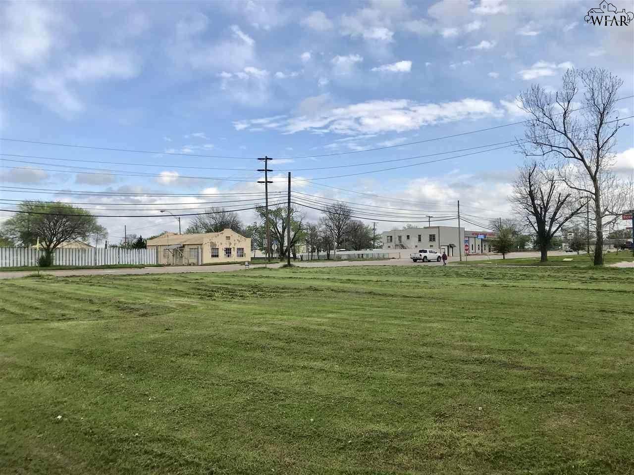 810 Jacksboro Highway - Photo 1