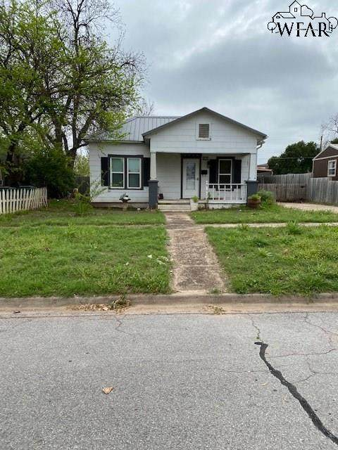 318 E 6TH STREET, Burkburnett, TX 76354 (MLS #156343) :: WichitaFallsHomeFinder.com