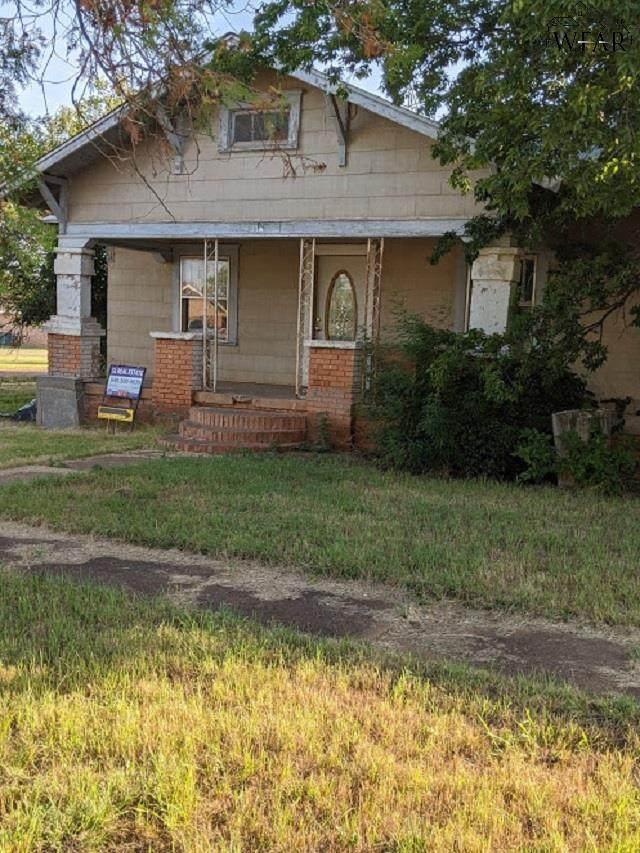 411 W Harrison Street, Electra, TX 76360 (MLS #157474) :: WichitaFallsHomeFinder.com