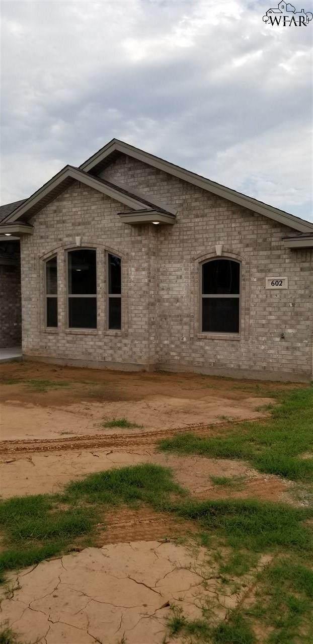 602 Charlotte Avenue, Burkburnett, TX 76354 (MLS #157648) :: WichitaFallsHomeFinder.com