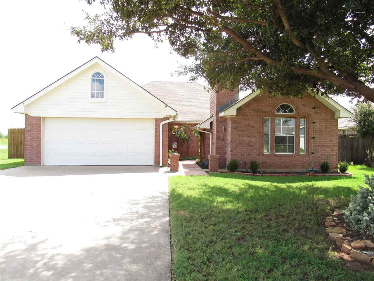 129 Valley Drive - Photo 1
