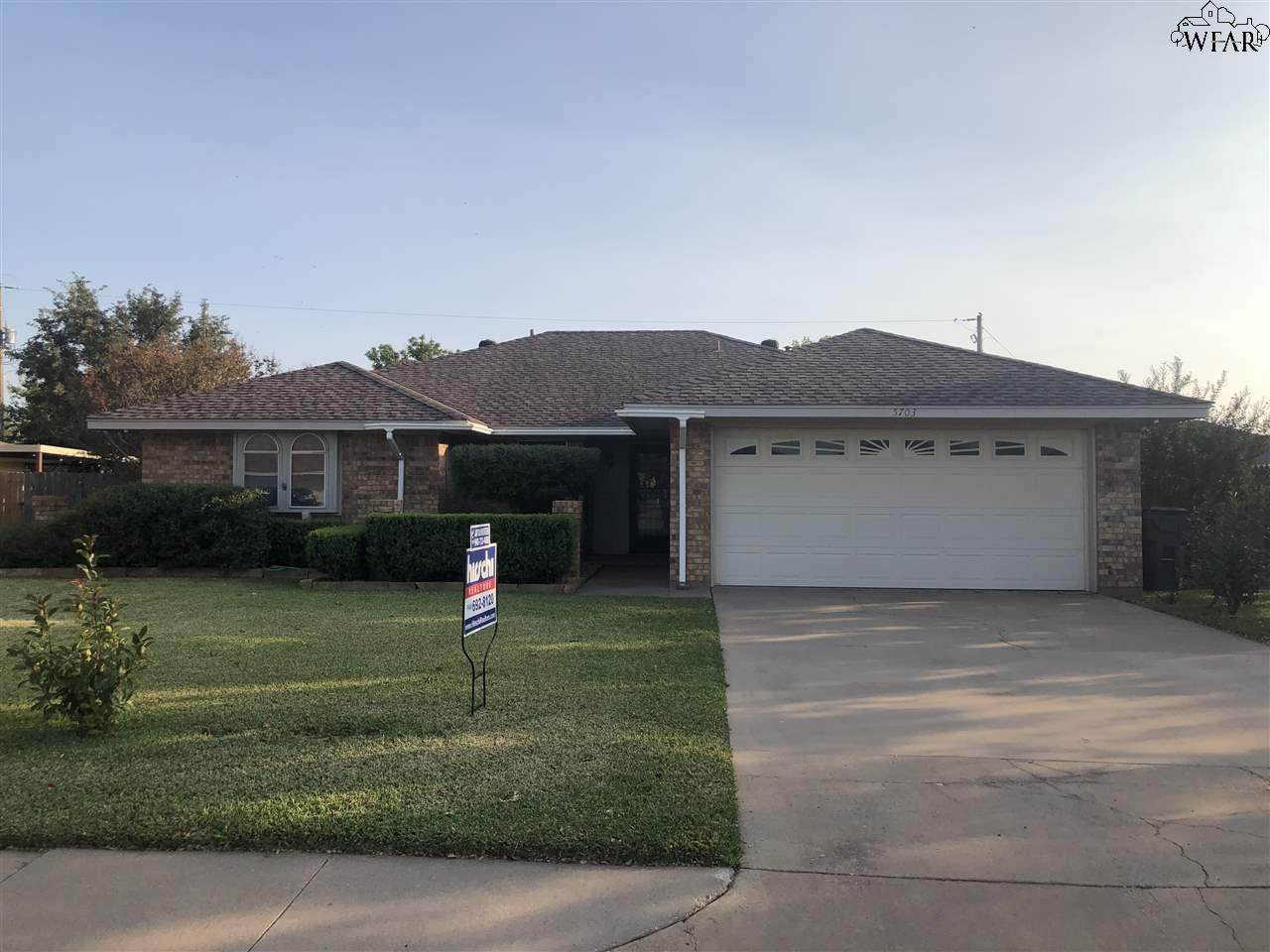 5703 Country Hollow Street - Photo 1
