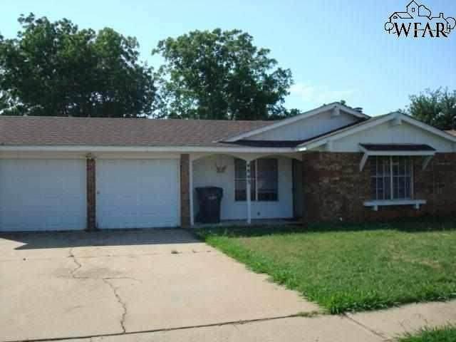 4843 Colleen Drive, Wichita Falls, TX 76302 (MLS #158721) :: WichitaFallsHomeFinder.com