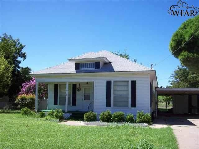 1010 Wesley Drive, Wichita Falls, TX 76306 (MLS #158902) :: WichitaFallsHomeFinder.com