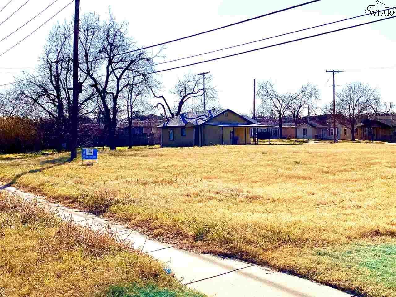 2818-2822 Featherston Avenue - Photo 1