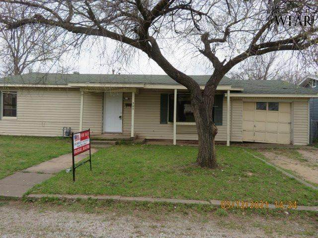 205 E Spring Street, Henrietta, TX 76365 (MLS #159646) :: Bishop Realtor Group
