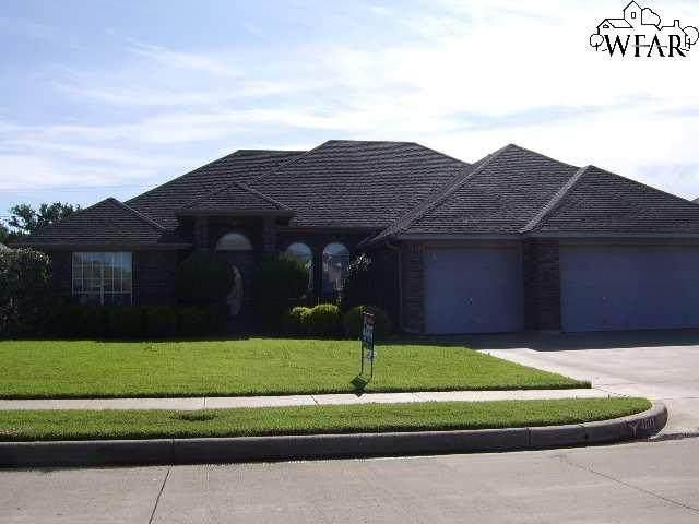 4811 Whisper Wind Drive, Wichita Falls, TX 76310 (MLS #160839) :: Bishop Realtor Group