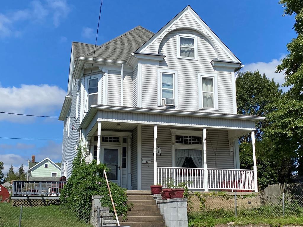 314 10th Street - Photo 1