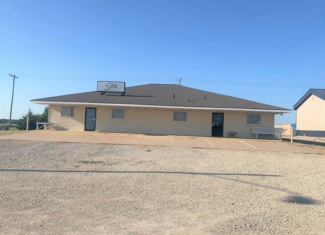 1240 Commercial Dr - Photo 1