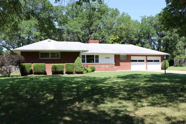 1209 Parkwood Ln, Newton, KS 67114 (MLS #537117) :: Katie Walton with RE/MAX Associates